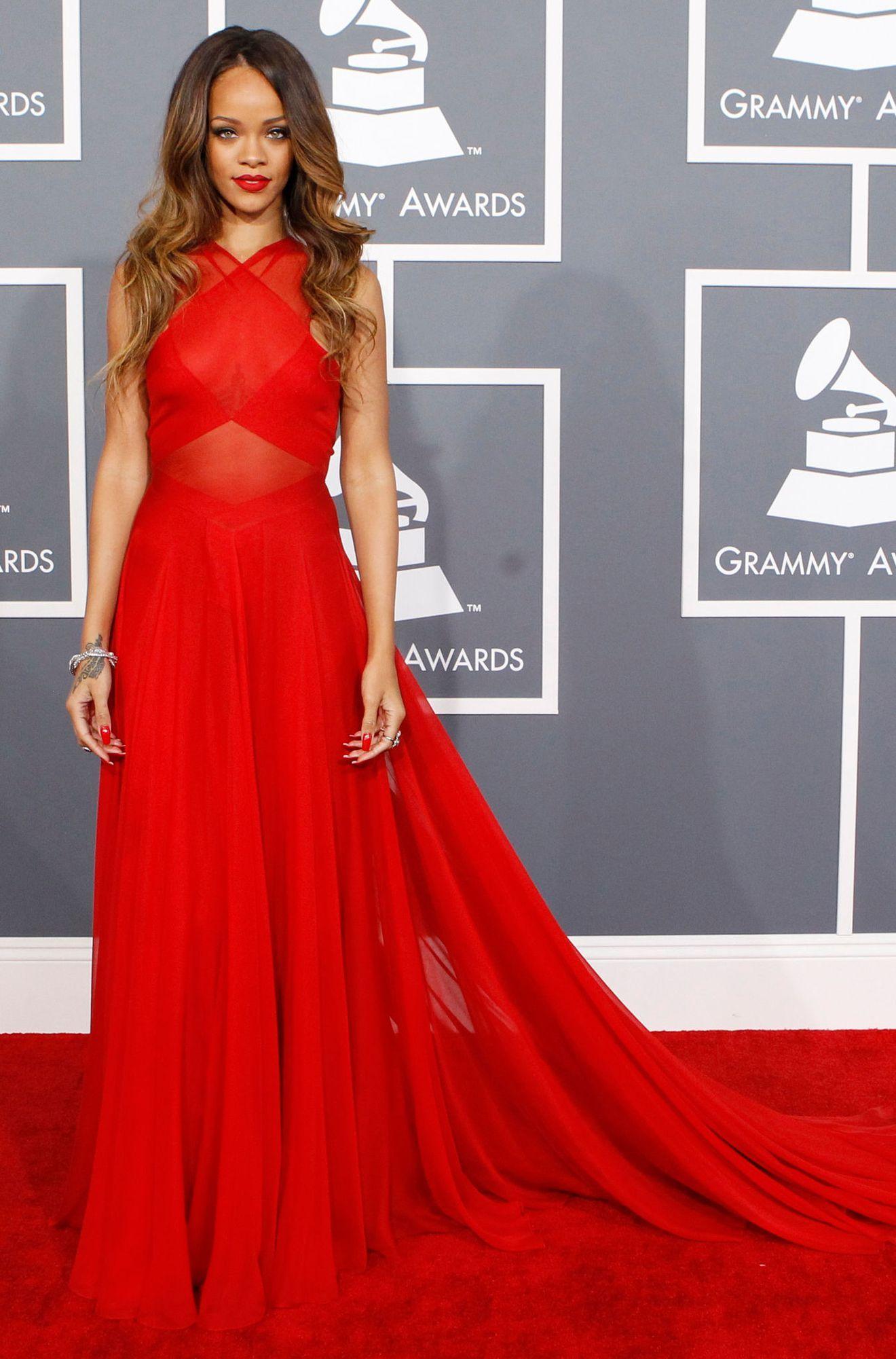 Rihanna, Grammy Awards 2013, Azzedine Alaïa