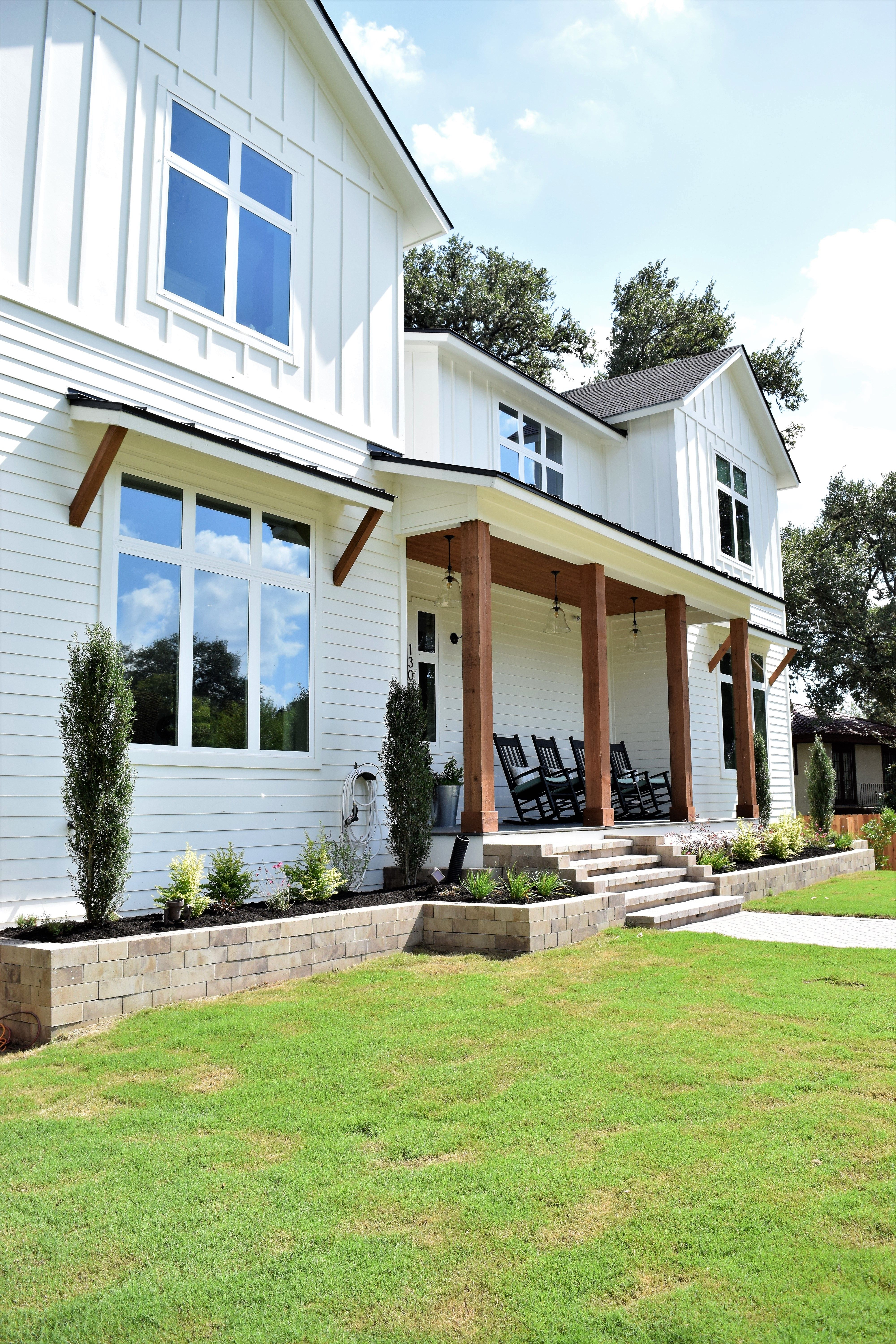 Farmhouse Exterior Colors With Metal Roof Benjamin Moore Simply White Modern Farmhouse Exterior All