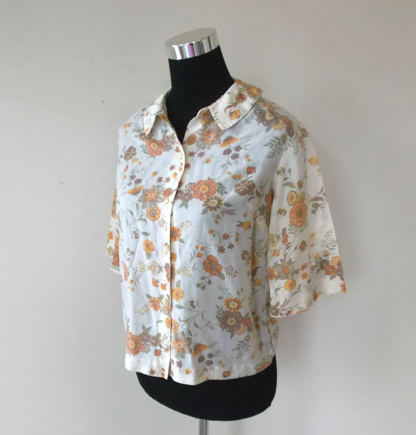 Free Shipping 1960 S Vintage Flower Print Blouse By New Etsy Vintage Flower Prints Flower Print Blouse 1960s Vintage