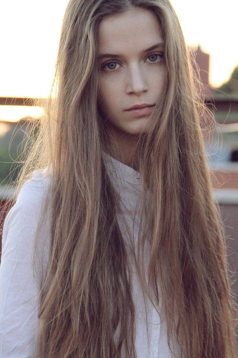 Long Dark Blonde Hair I Just Love This Girls Hair So Pretty And
