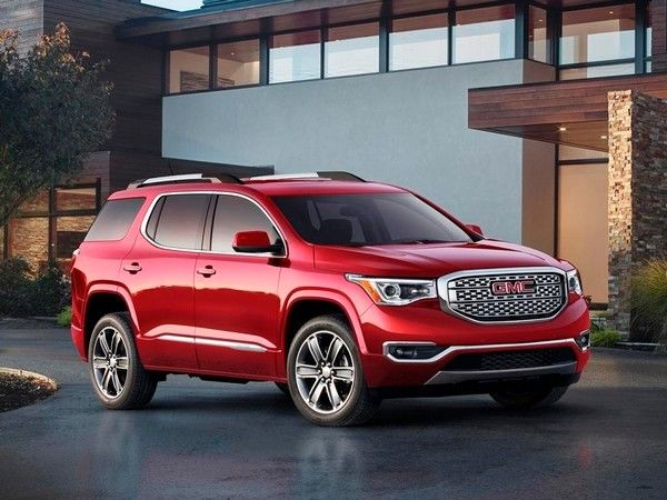 Class Of 2017 New Cars Ready To Roll Kelley Blue Book Acadia Denali Gmc Acadia 2017 Chevrolet Traverse