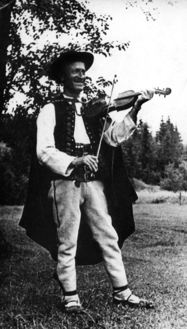 Józef Szczotka, lata 50-te XX wieku, fot.AA.jpg (600×1057)