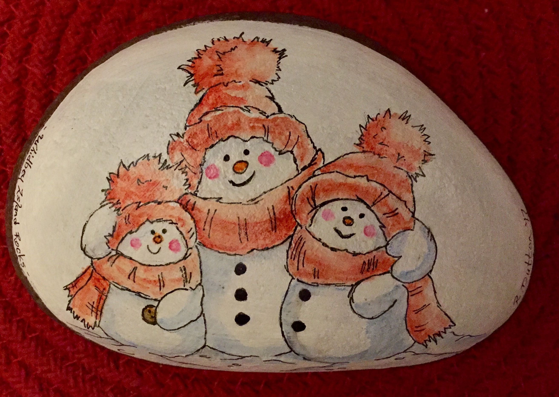 Dipingere Sassi Per Natale trio of snowmen - painted rock   pietre decorate   natale