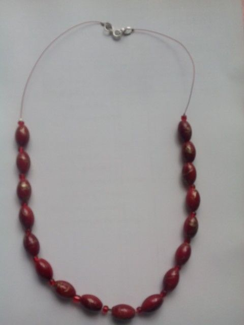 margele roșii)