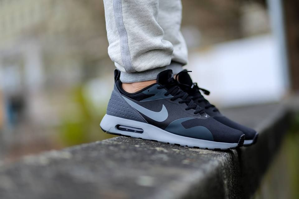 Nike Air Max Chase Cool Grey Red Black White