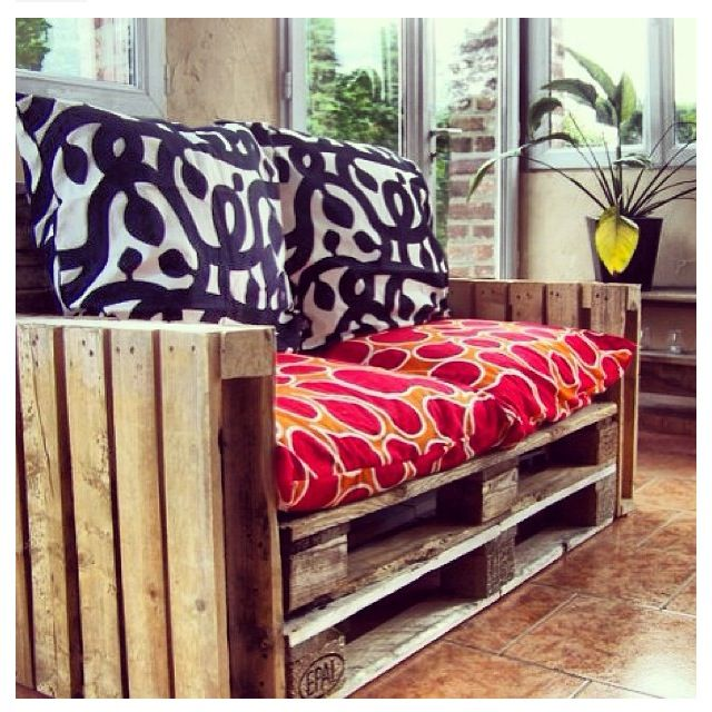 Shipping palette couch. Diy pallet couch, Pallet