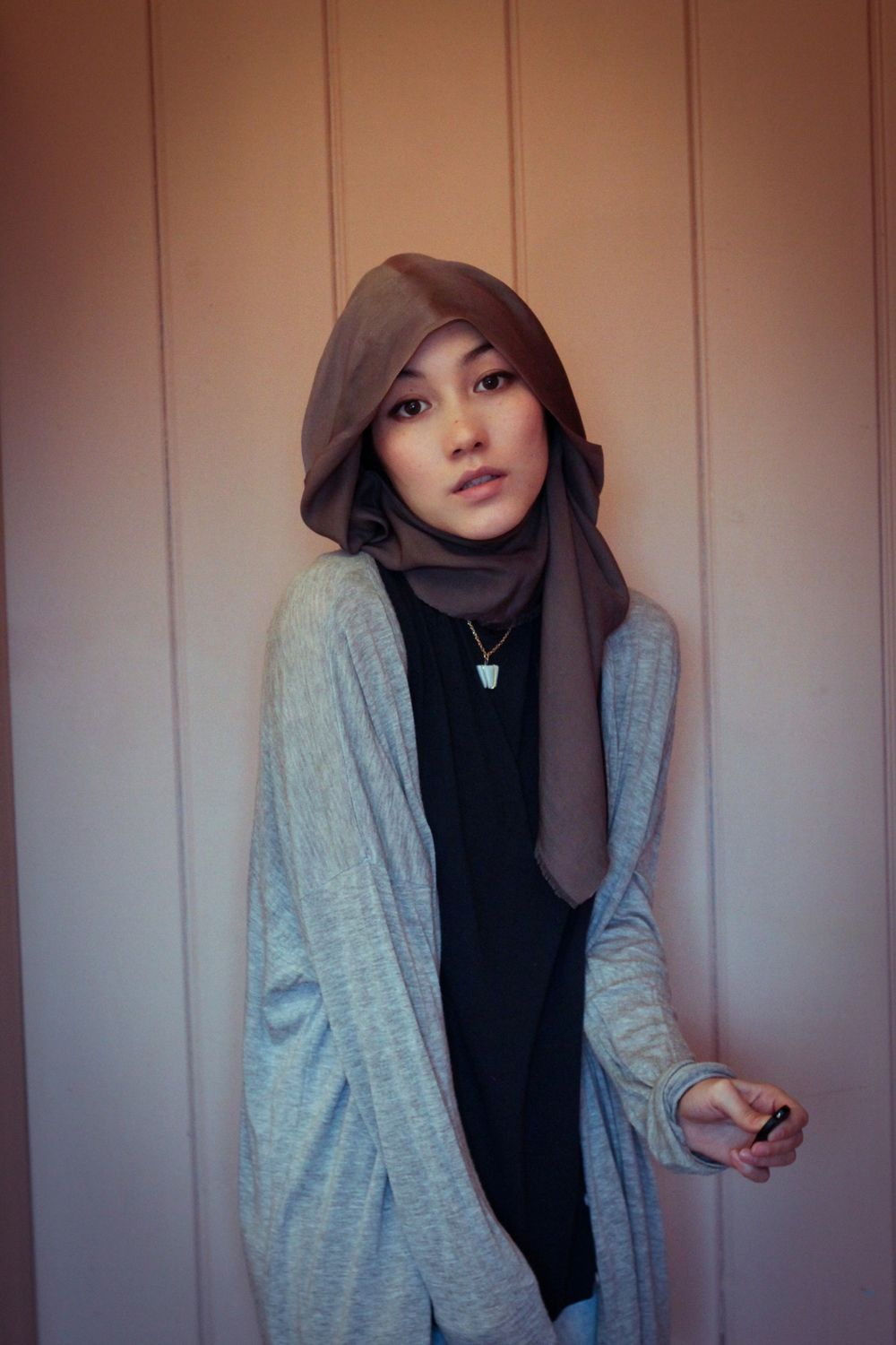 Soft Comfortable Gray Sweater Black Outfit Brown Gray Scarf