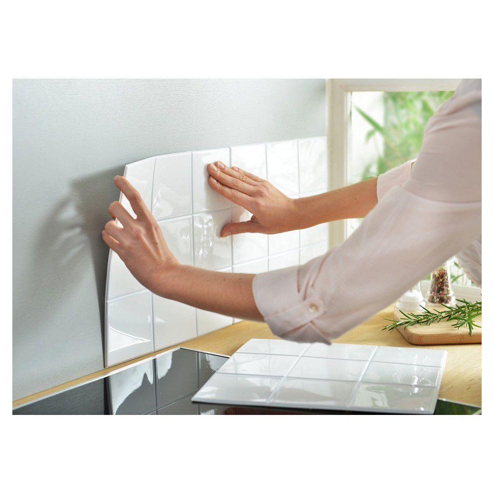 Put'it http://www.cookishop.com/78998-Fortium_product/lot-de-12-panneaux-carrelage-flexible-blanc.jpg