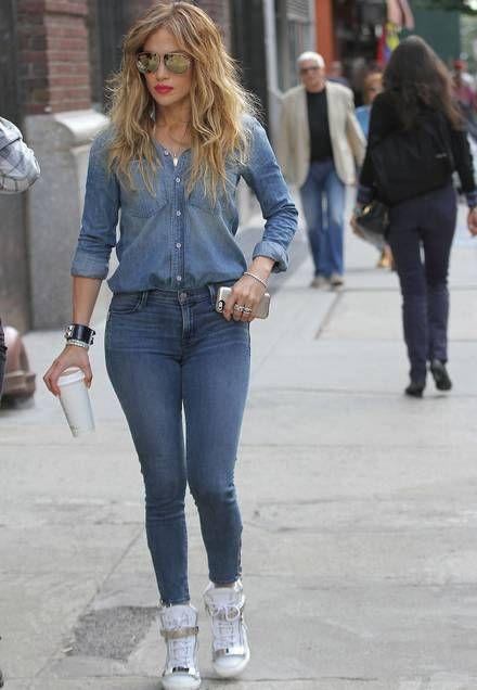 220d17cac133 Jennifer Lopez in jeans