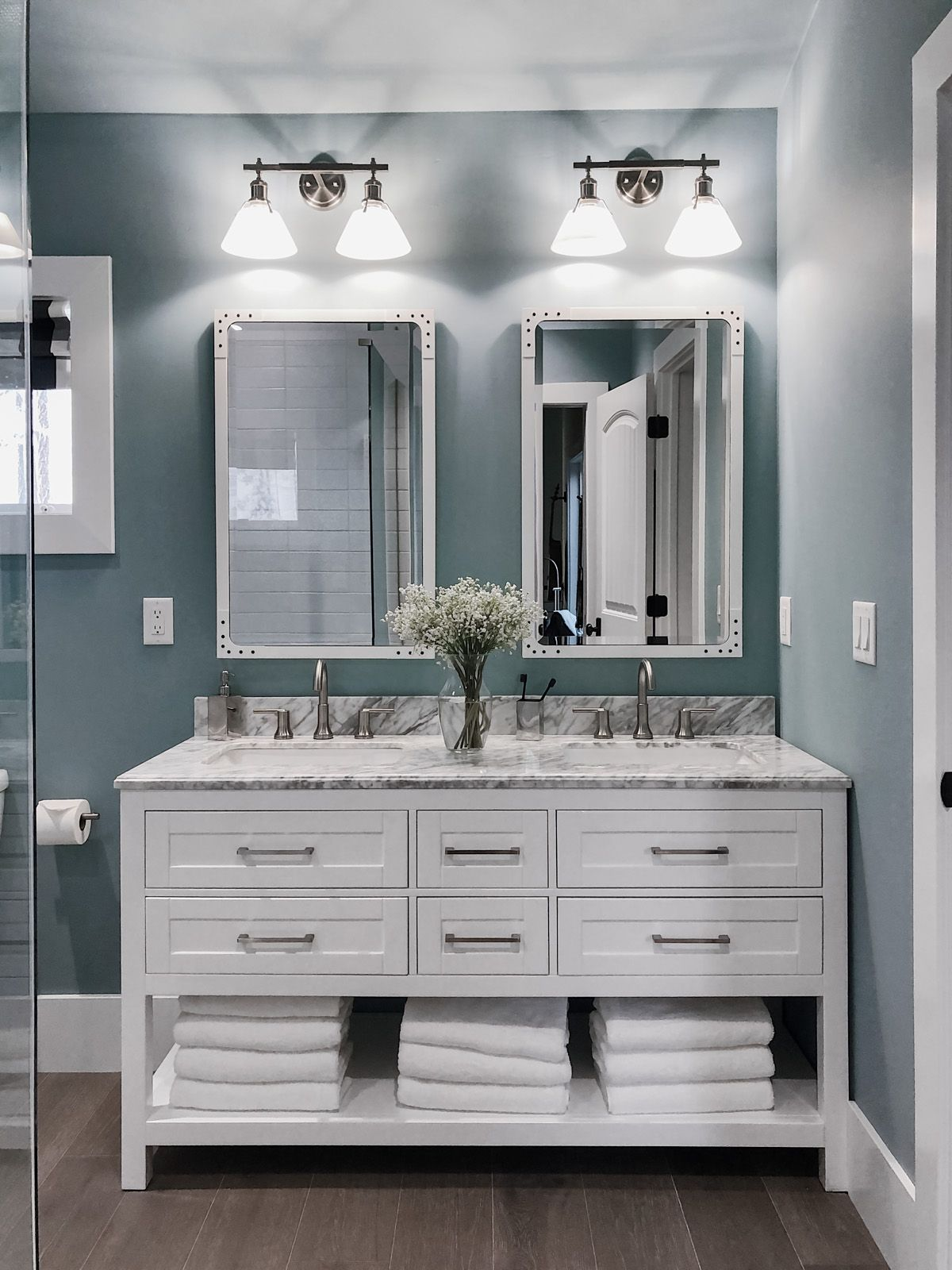 2019 Hgtv Dream Home Tour Dream Bathrooms Small Bathroom