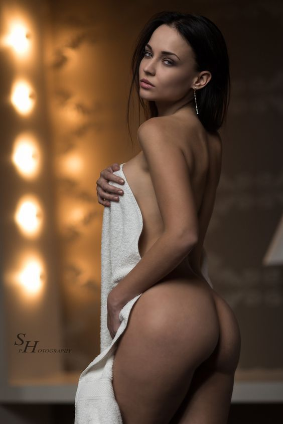 wallpaper hot nearly nude