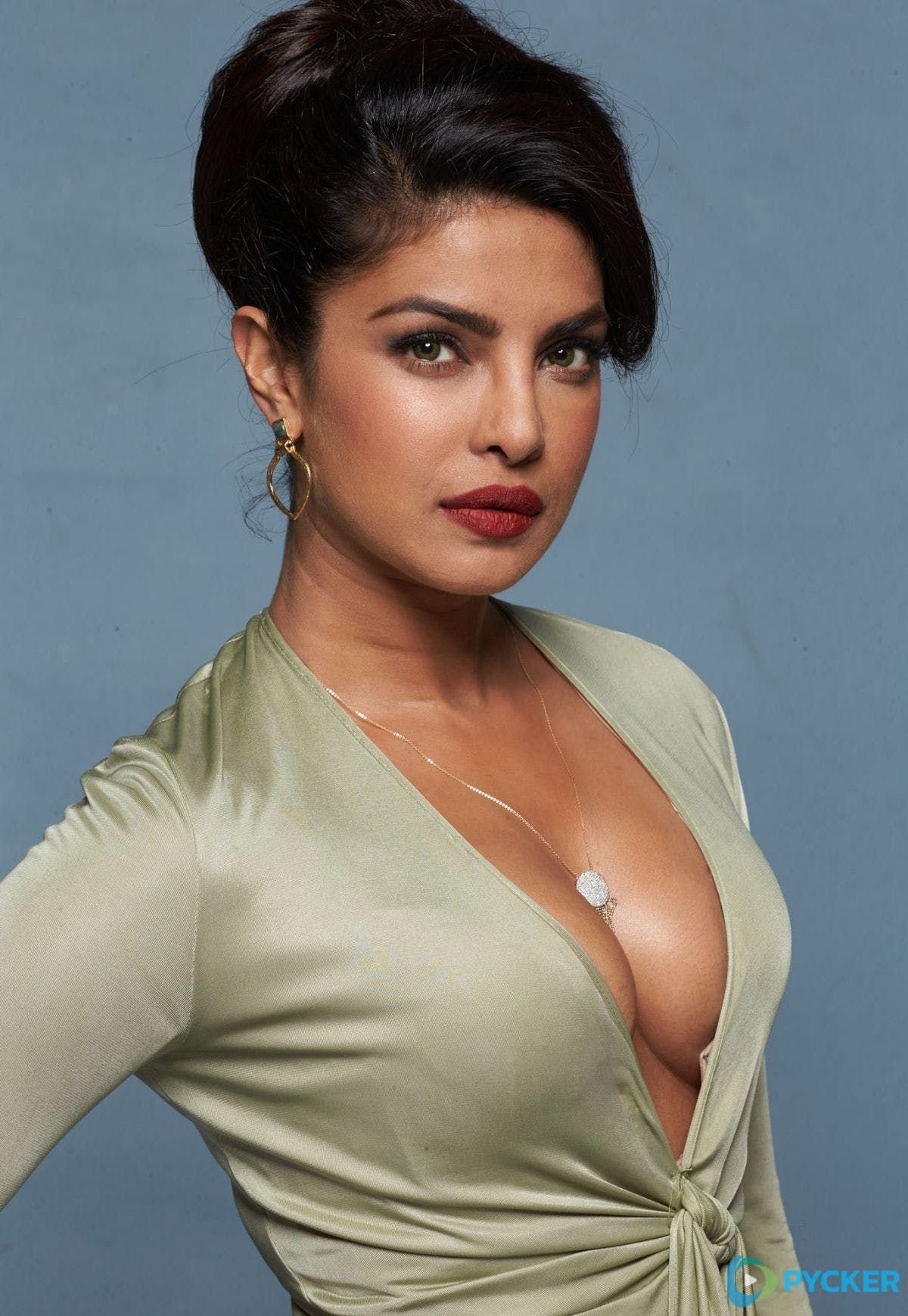 Priyanka Chopra hotको लागि तस्बिर परिणाम
