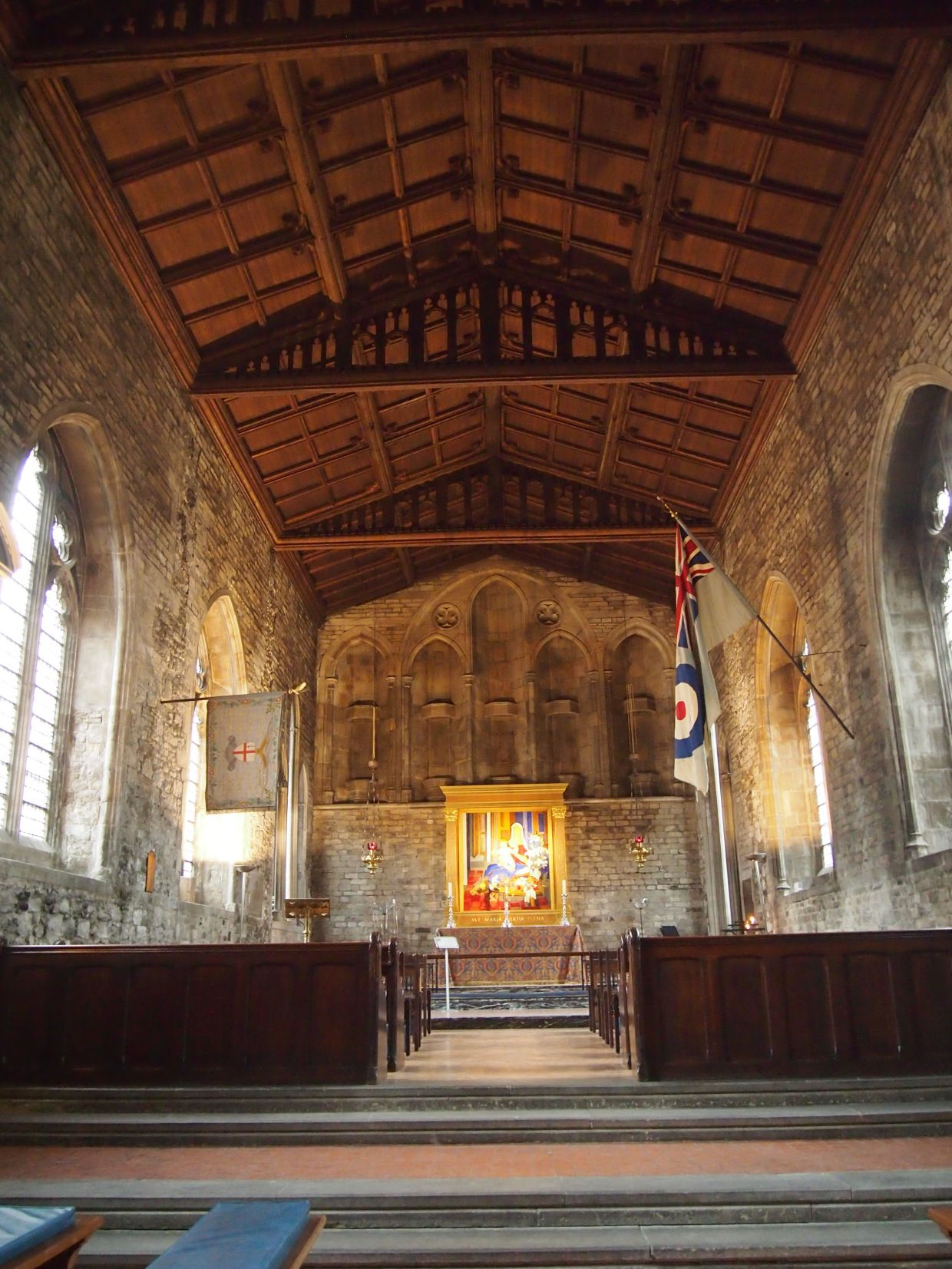 ST BARTHOLOMEW THE GREAT: A ROMANESQUE GEM IN THE CITY -Flickering Lamps