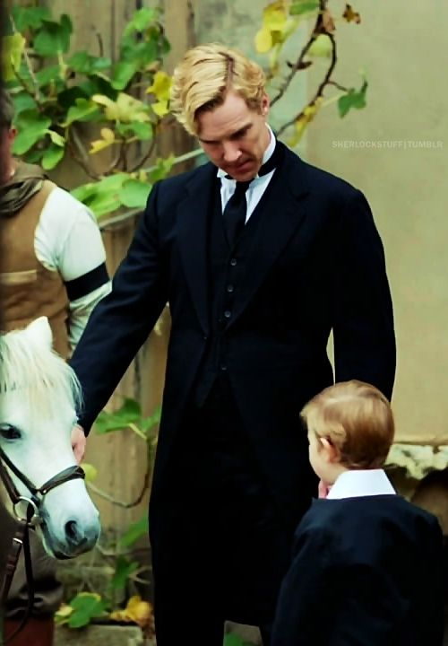 Benedict Cumberbatch, Parade's End. Giving pseudo-cumberbaby a pony. I love this more than words can express! Cumberbaby, Bensie and a cute pony? OMG!