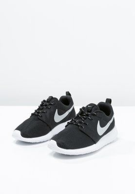 Nike Roshe Uno - Negro / Metálico / Platino Granito Blanco