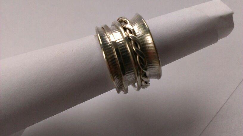 Zilveren ring met srructuur
