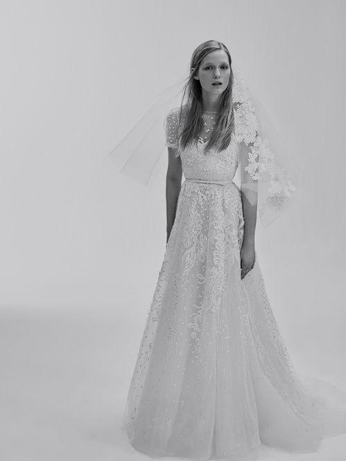 5da4b5ccd71 Breaking news   Elie Saab lance une collection de robes de mariée ...