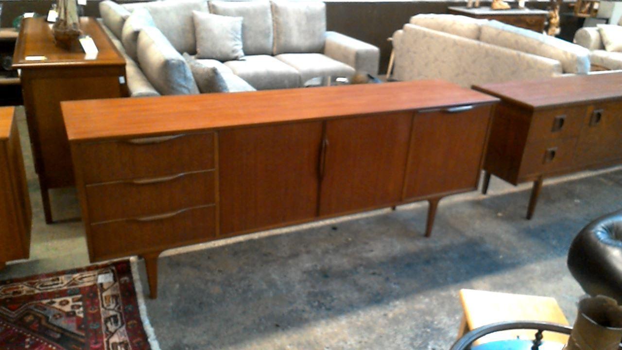 Kitchen Cabinet 3 Doors X2f 3 Drawers 699 00 Euro Disponible En Occasion Dans Le Magasin Troc Uccle Kitchen Cabinets Cabinet Drawers