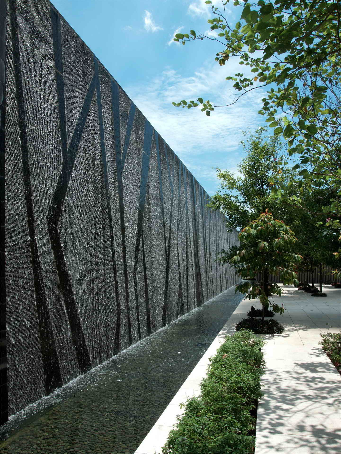 Pin By Zyy On Commercial Water Architecture Water Feature Wall Pool Water Features