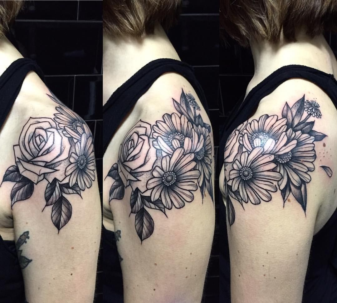 Botanical roses and daisy shoulder tattoo by Miss Sita