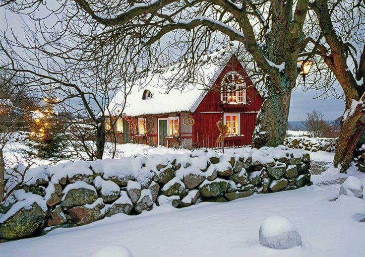 Rotes Schwedenhaus. Wintertraum.