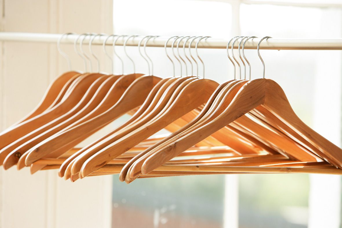 Incroyable It Sounds Silly, But Wooden Hangers Can Change The Feel Of Your Entire  Room, Even If They ARE Hidden Away In A Little Closet.