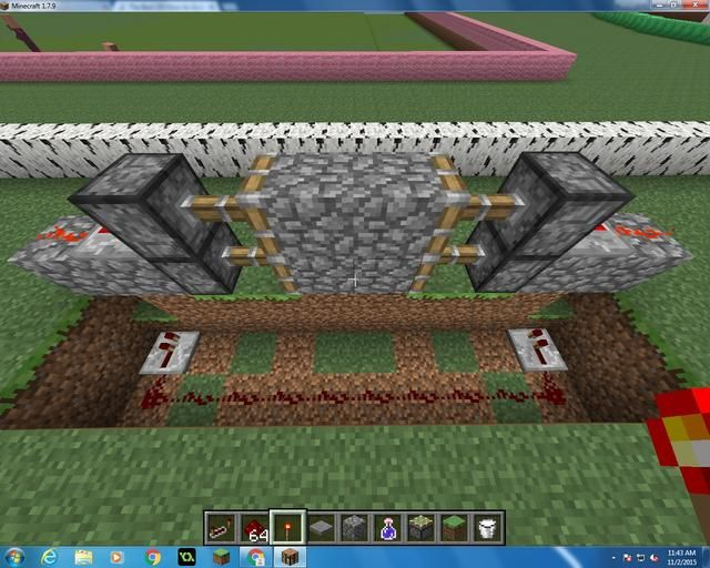 How To Make A Simple Redstone Door Recipe Minecraft Crafts