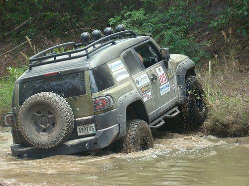 fj cruiser off roading Looks like fun getting back in the woods
