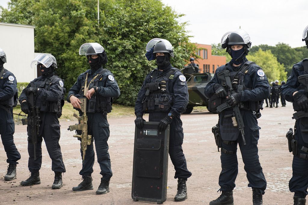 Gign Members Posing During The 40 Year Anniversary Of French National Gendarmerie Intervention Military Pictures Special Operations Forces 40 Year Anniversary