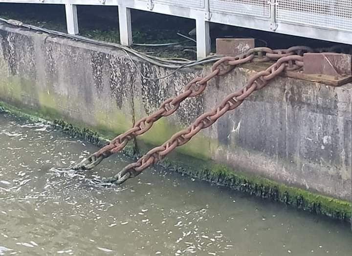 Chains at Pier Head, stopping Liverpool from floating into the Irish sea  Chains at Pier Head, stopping Liverpool from floating into the Irish sea #irishsea