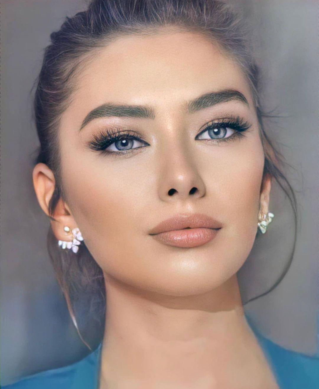 Neslihan Atagul Health Problems In 2021 Turkish Women Beautiful Pretty Girls Selfies Black And White Aesthetic