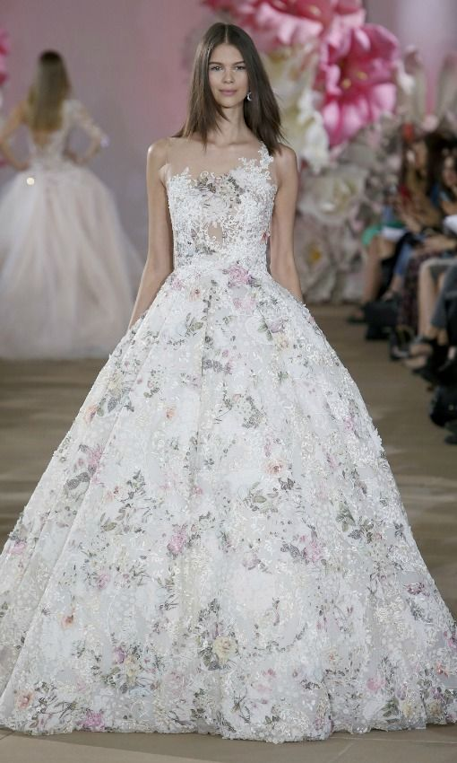 tendencias 2017: vestidos de novia con colores y flores | weddings