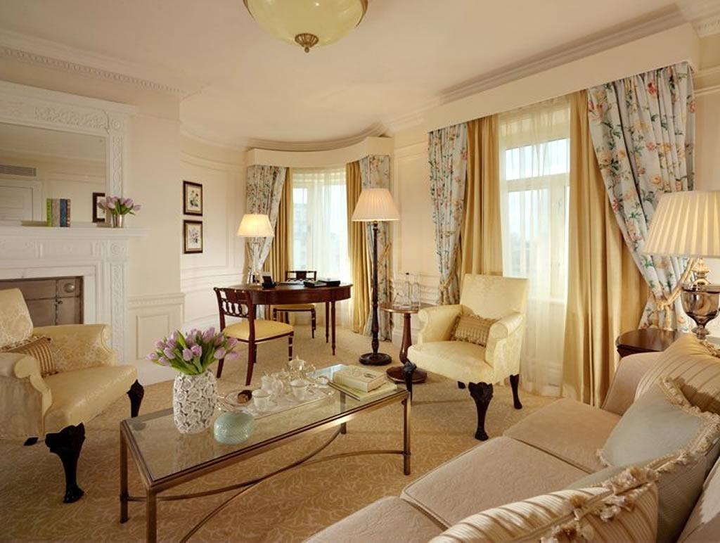 gorgeous victorian style interior design warm living rooms living rh pinterest com