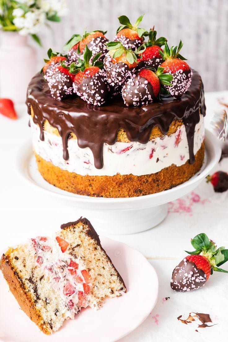 Erdbeer-Stracciatella-Kuchen mit Schokoladenstroh - Mode Schmuck Trends