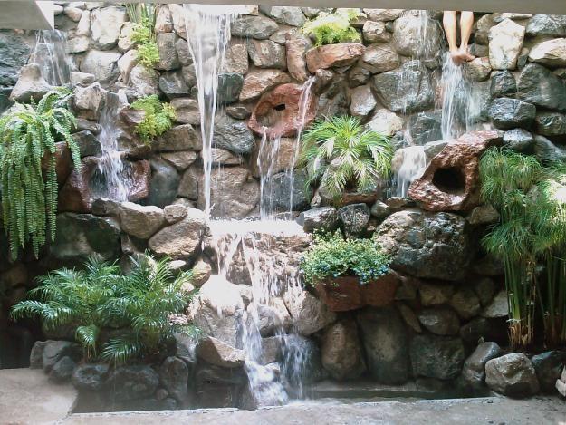 Decoración de jardines con piedra - Para Más Información Ingresa en - cascadas en jardines