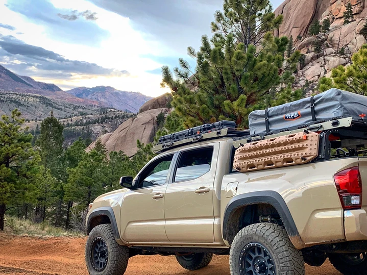 Uptop Alpha Tacoma Double Cab 2005 2020 In 2020 Roof Top Tent Tacoma Overland Tacoma