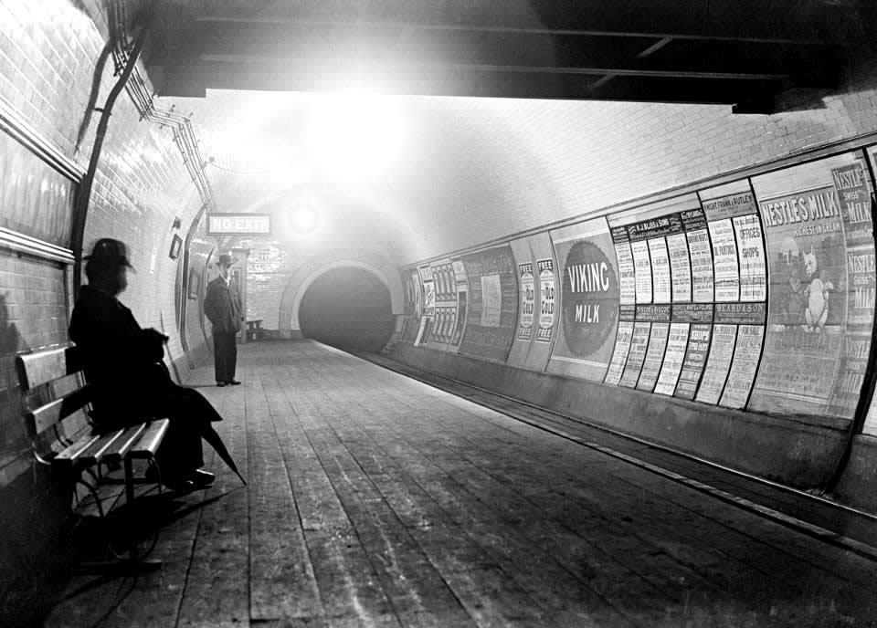 1890s tube - wooden platforms