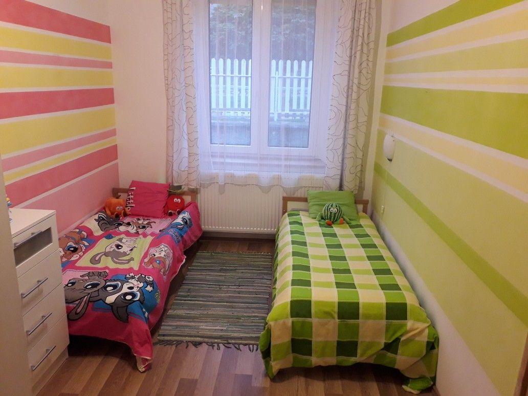 Fiú lány szoba testvér kids green pink csikos fal  21046eae7b
