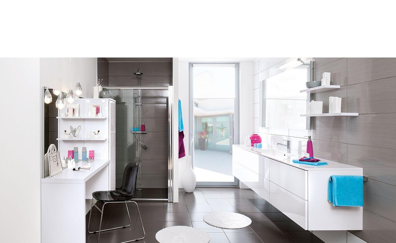 salle de bains sur mesure - blanc - strass blanc. cette salle de