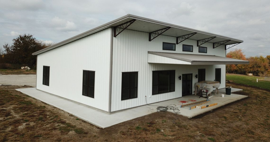 Small Home Ideas Can Take On A Modern Style By Building With Single Slope Steel Trusses From Worldw Steel Building Homes Metal Building Designs Metal Buildings