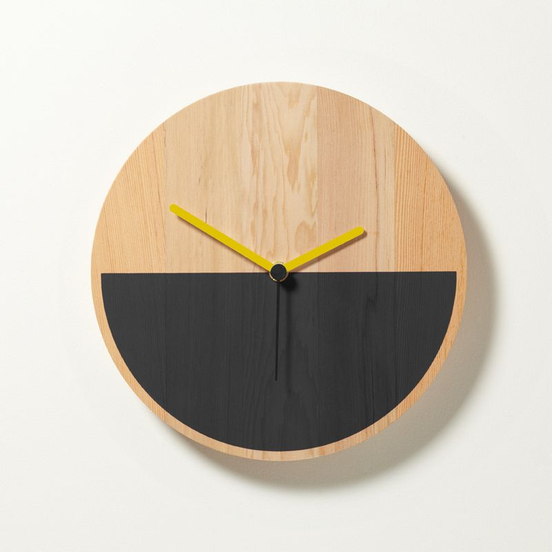 Primary Clock by David Weatherhead  GOODD