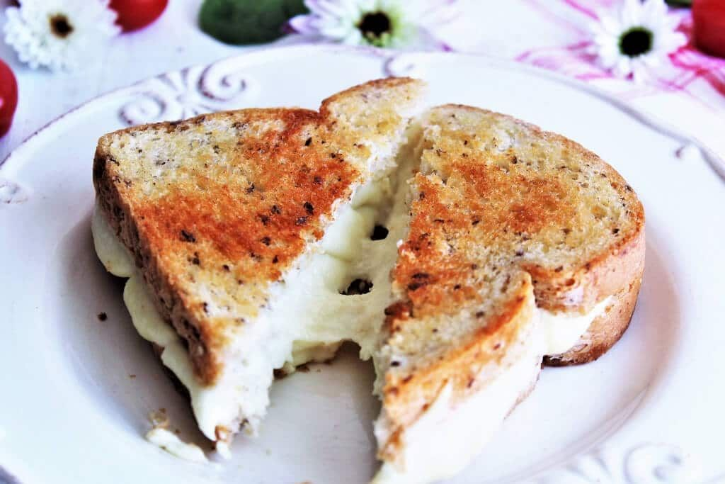 A Vegan Grilled Cheese Sandwich Made With Vegan Cheese That Melts Gluten Free Soy Free And Nut Free Y Vegan Grilling Vegan Recipes Healthy No Dairy Recipes