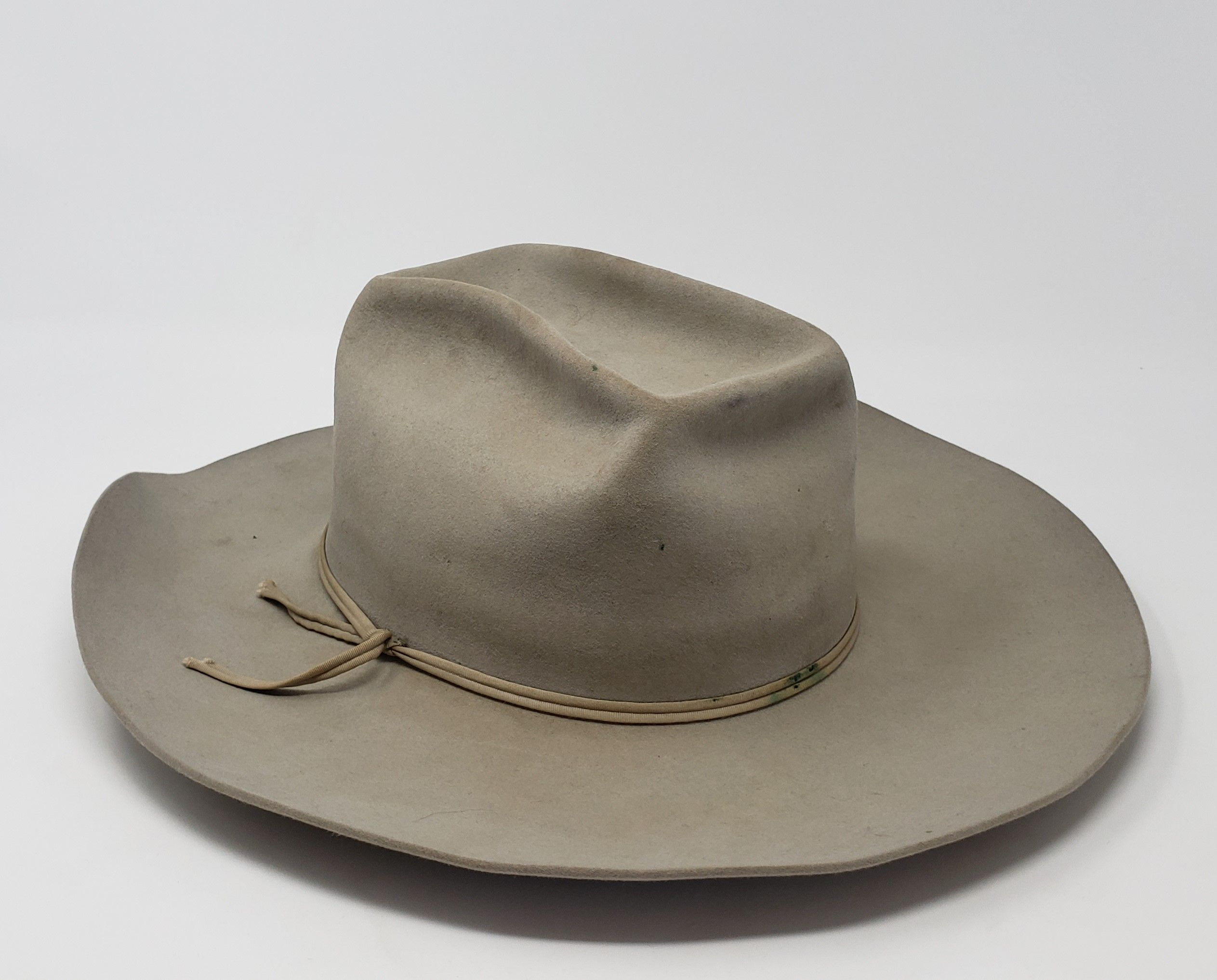 8d54506004567 Vintage 1940 s-1950 s Well Worn Used Distressed Beige Unmarked Cowboy Hat