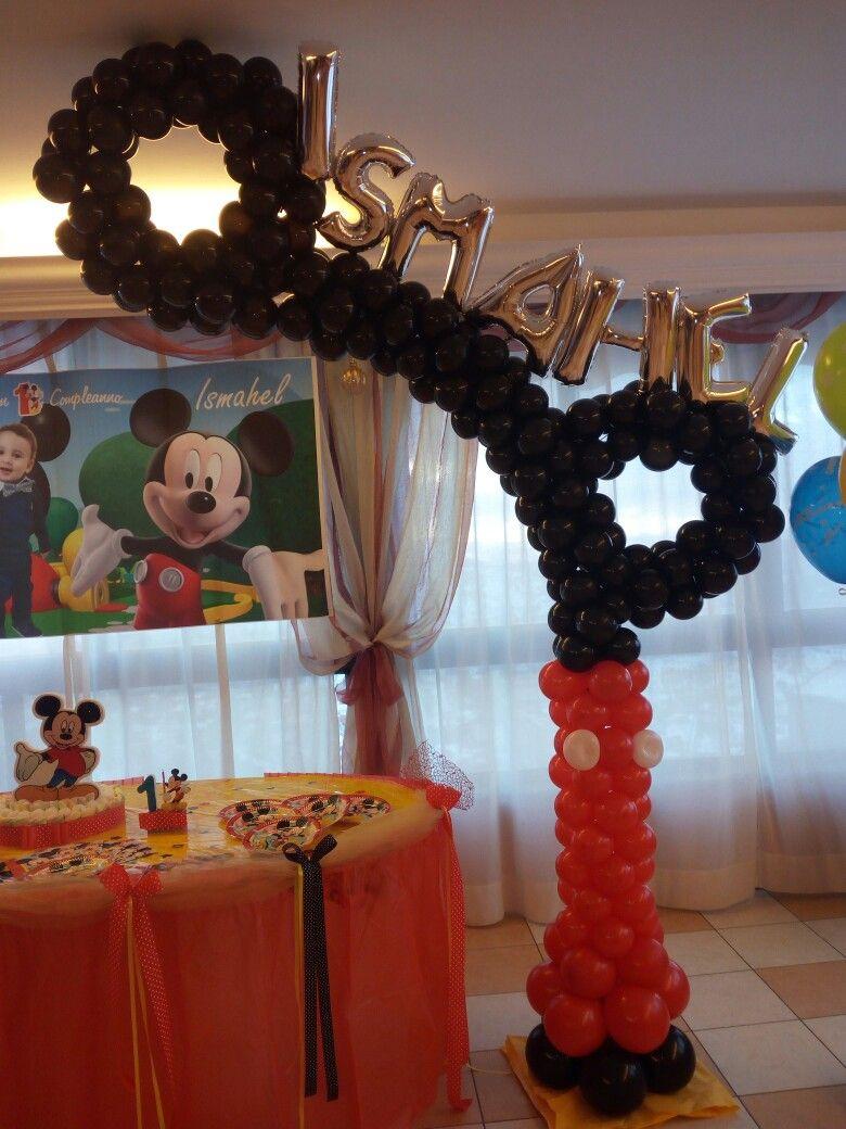 Allestimento con palloncini per compleanno tema topolino
