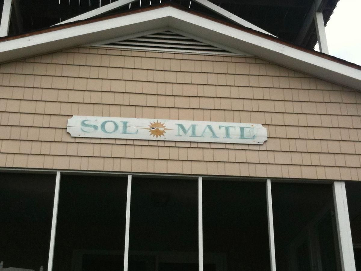Awesome Creative Beach House Names Part - 9: The 35 Most Amazingly Punny Beach House Names - The Tonight Show