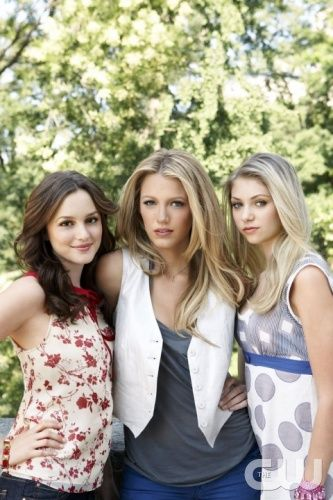 Gossip Girl Pictured: (l-r) Leighton Meester, Blake Lively, Taylor Momsen Photo Credit: The CW / Andrew Eccles © 2007 The CW Network, LLC. All Rights Reserved.