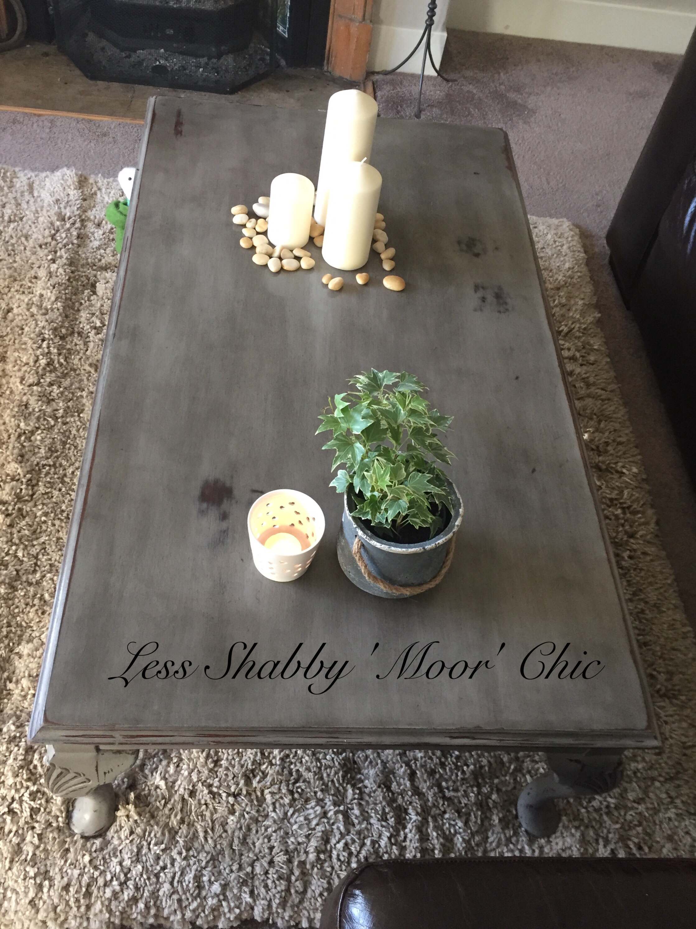 Shabby Chic Coffee table in Annie Sloan French Linen and finished