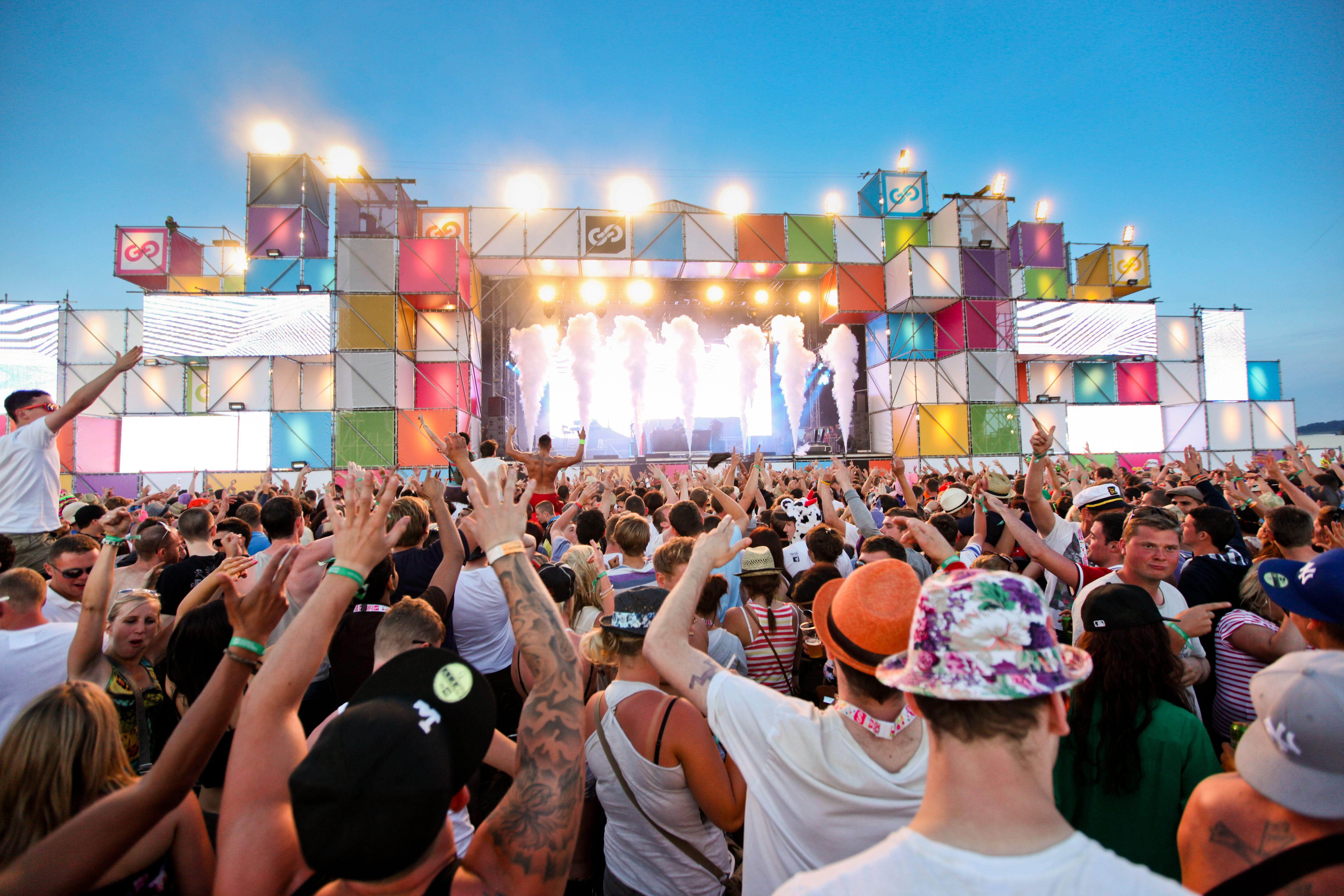 music festival - Pesquisa Google