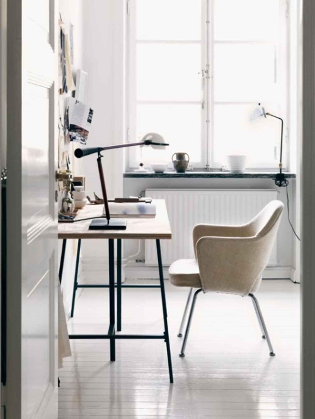 Bright studio   Gorgeous workspace design   pretty desk   simple, minimal desk   home office   pretty home office   light-filled office   dream office   office inspiration   workspace inspiration.