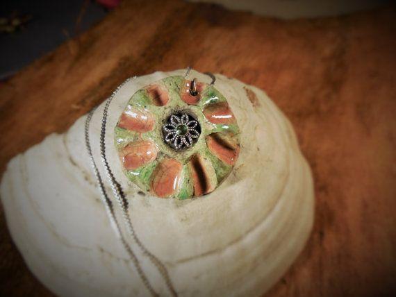 Collana in ceramica Raku/pendente Raku rosa e verde/OOAK collana/regalo per lei